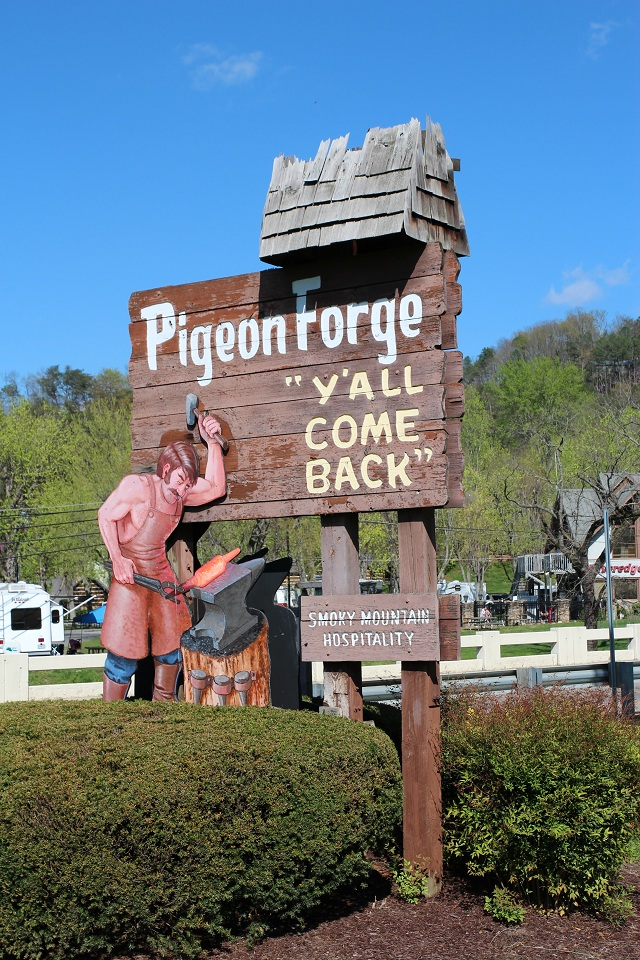 pigeon forge sign my pigeon forge