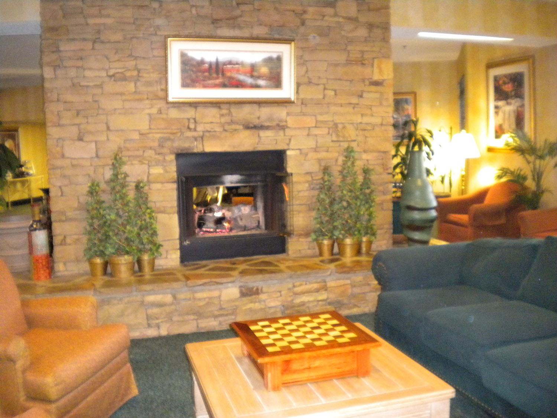 inn-on-the-river-lobby