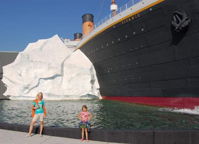 Pigeon Forge Titanic Iceberg