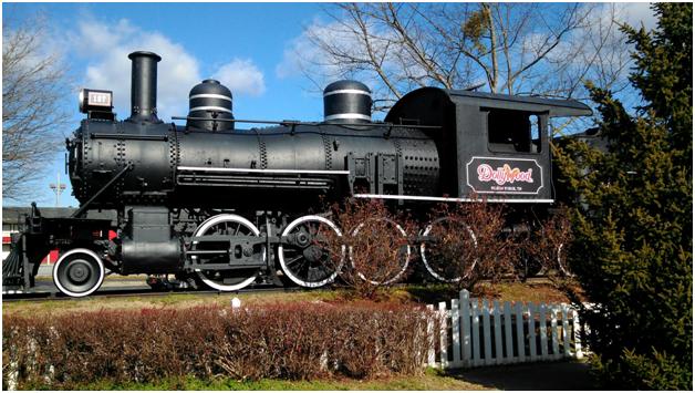 Dollywood Train Replica
