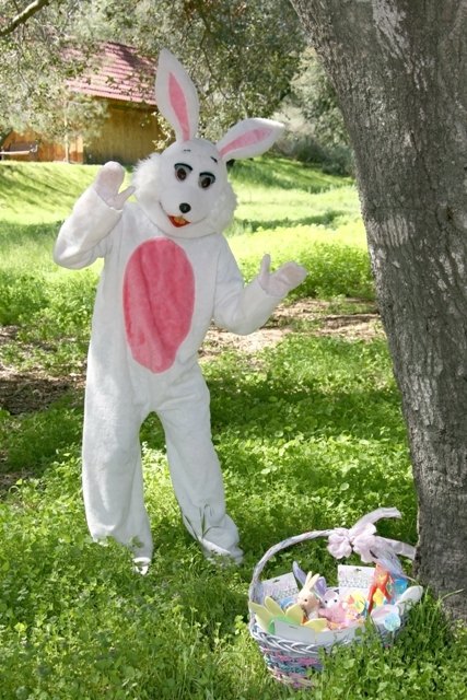 Pigeon Forge Easter Bunny