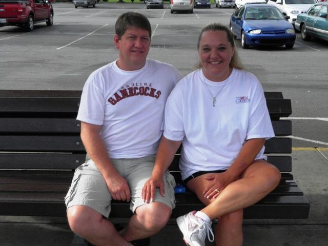 Newlyweds Honeymoon in Pigeon Forge
