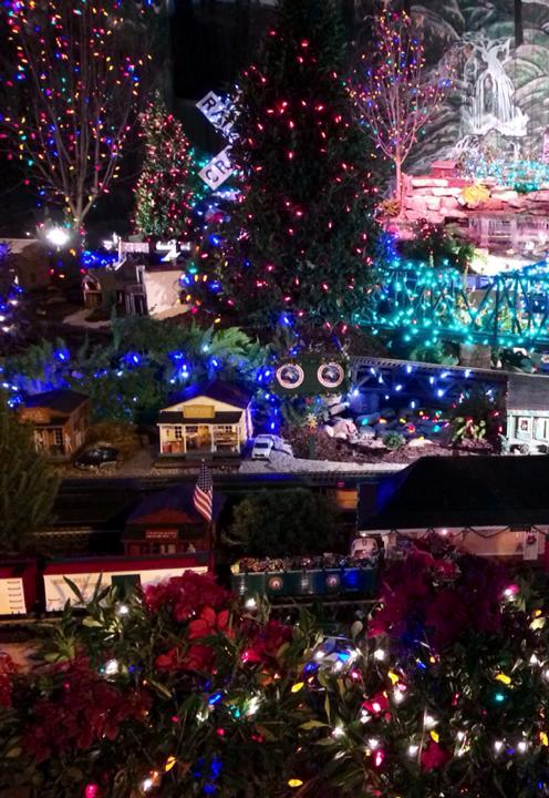 Dollywood's Smoky Mountain Christmas 2013