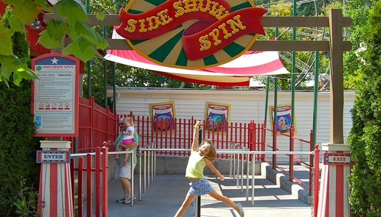 Kendall at Sideshow Spin in Pigeon Forge TN