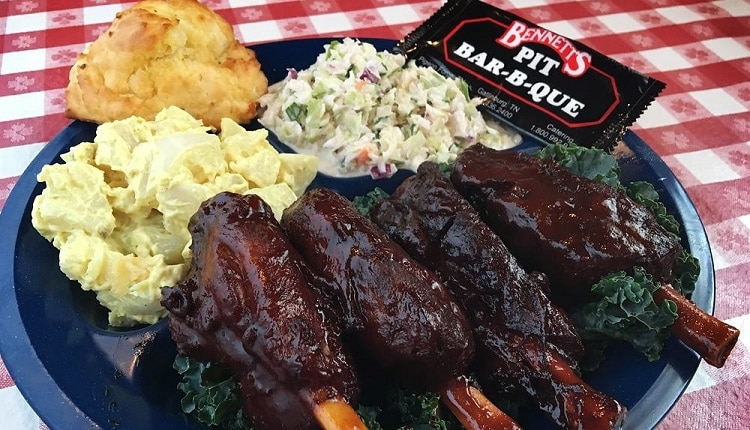 Bennett's Pit Bar-B-Que in Pigeon Forge TN