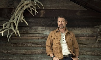 Craig Morgan on stage at the Patriot Festival