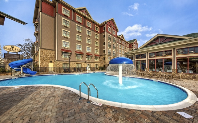 Pigeon Forge Hotels – Great Rates on Hotels & Motels in Pigeon Forge