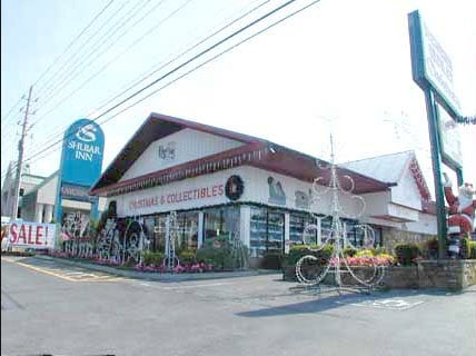 christmas collectibles pigeon forge store