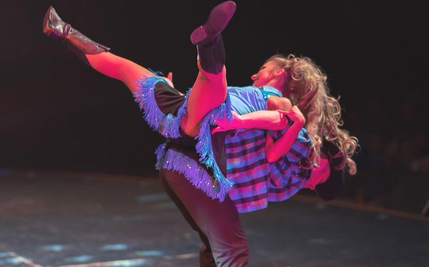Conutry Tonite Theatre - Country Dancing