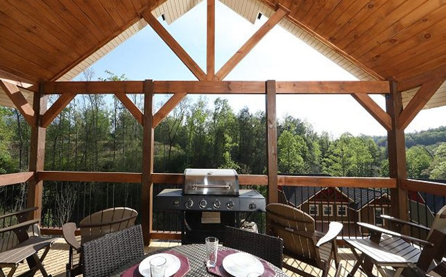 Eden-Crest-Vacation-Rentals-Deck-View
