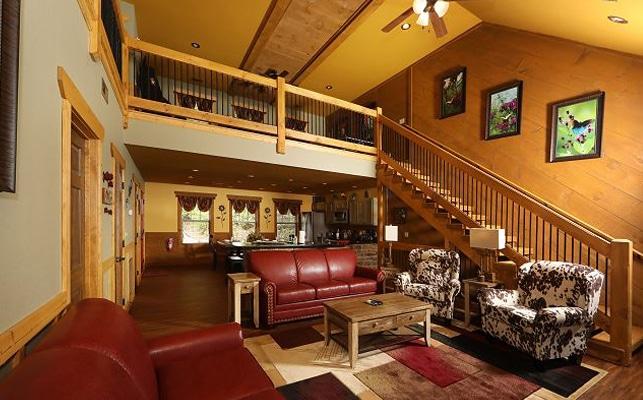 Eden-Crest-Vacation-Rentals-Main-Floor