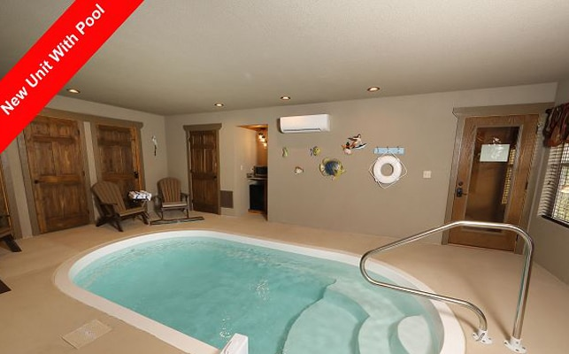 Eden-Crest-Vacation-Rentals-Pool