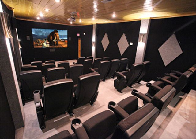 Eden-Crest-Vacation-Rentals-Theater