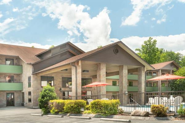 Evergreen Smoky Mountain Lodge