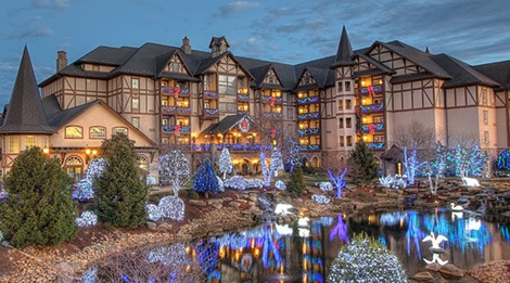 The Christmas Place.Stay At The Inn At Christmas Place In Pigeon Forge