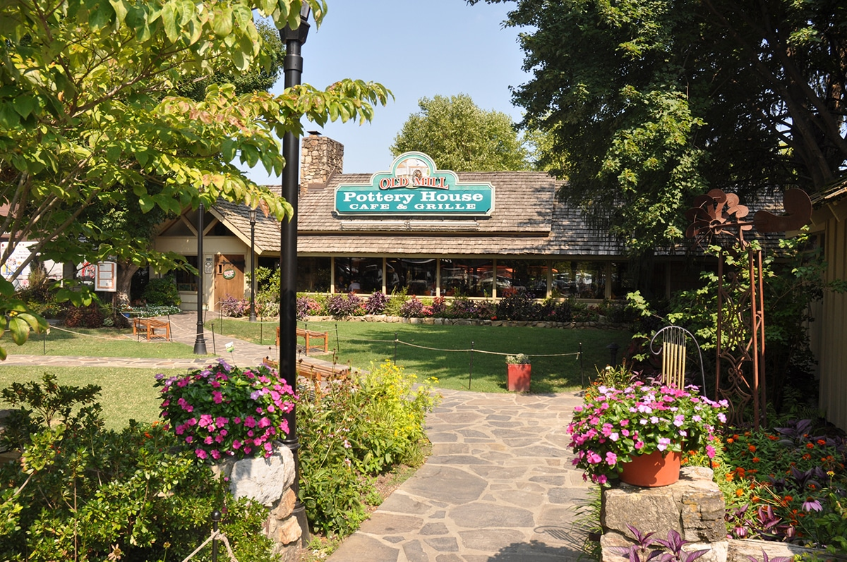 Old Mill Pottery House Cafe and Grille - Pigeon Forge, TN
