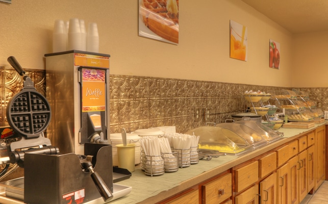 Breakfast at Quality Inn and Suites at Dollywood Lane