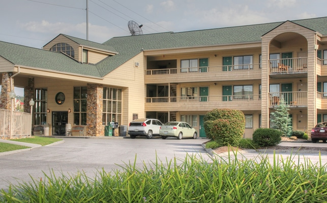 Quality Inn and Suites at Dollywood Lane Exterior