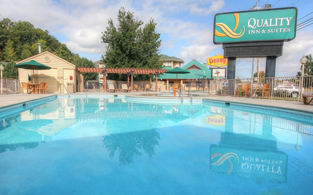 Pool at Quality Inn and Suites at Dollywood Lane