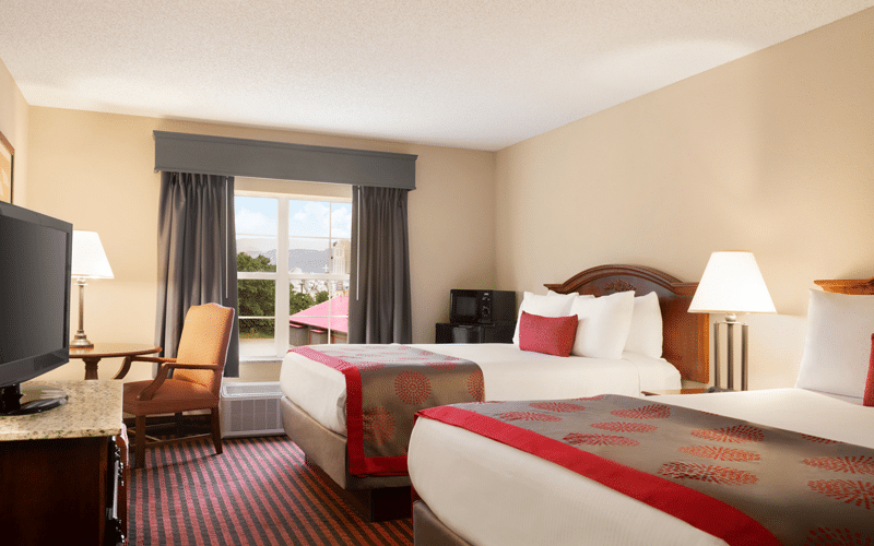Ramada Hotel Pigeon Forge North - Standard 2 Queen bed guest room