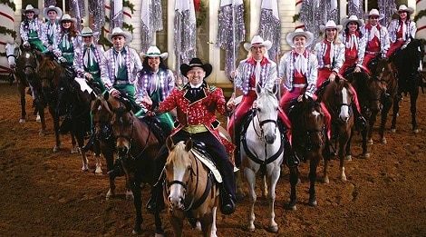 christmas-at-dixie-stampede-470×261