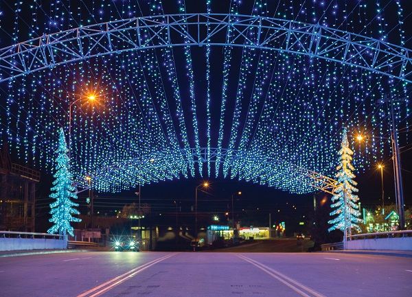 Gatlinburg Christmas 2020 Smoky Mountain Winterfest Celebration in Pigeon Forge Tennessee
