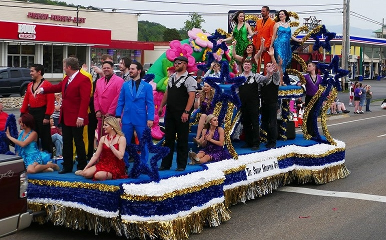 Smoky Mountain Opry Float at Music in the Mountains Spring Parade