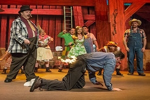 Hatfield and McCoy's Dinner Feud in Pigeon Forge