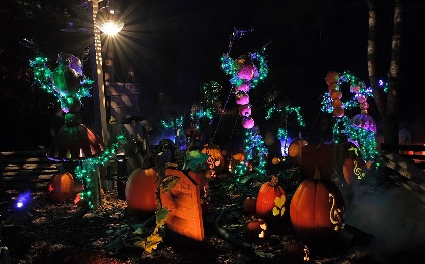 Graveyard at Dollywood's Great Pumpkin LumiNights