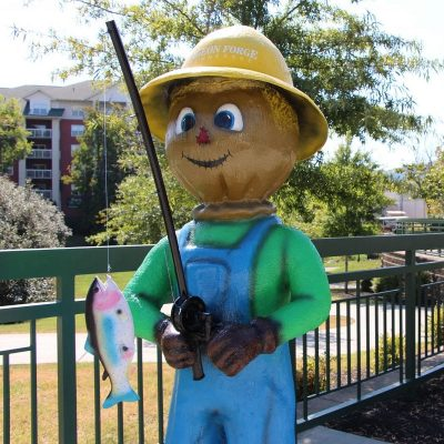 Reely Loving Pigeon Forge Scarecrow