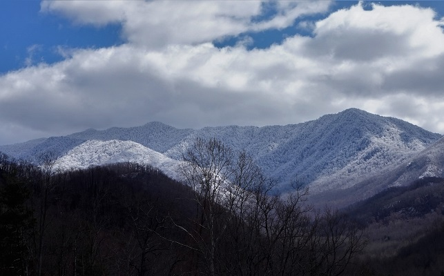 Experience Smoky Mountains in the Winter
