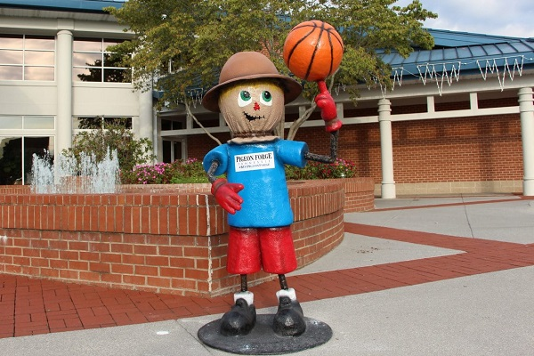 Pigeon Forge Scarecrow Scavenger Hunt