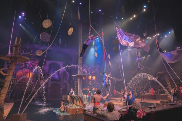Enjoy fun family dinner shows this spring in Pigeon Forge